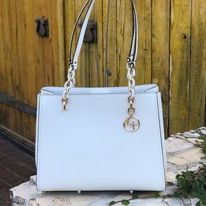 NWT Michael Kors Sofia Lg tote optic white